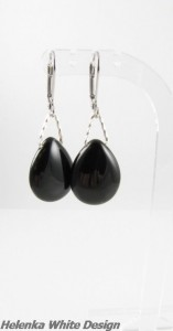 Matching Agate earrings - copyright Helen White